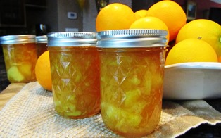 Jars of orange marmalade make lovely holiday gifts